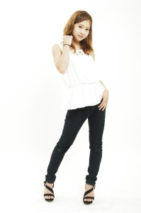 莉歩 商品撮影モデル5